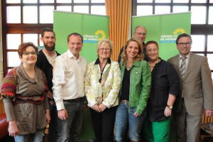 Erweiterte Fraktion mit OB Wolfgang Treis, Kreissprecherin Ingrid Bäumler und OV-Sprecher Martin Schmitt. Foto: A. Walz (Mayen)