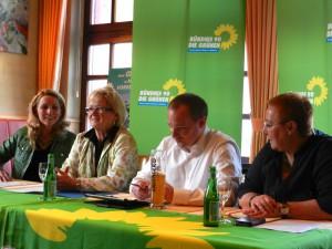 Neues Fraktionsmitglied Marika Kohlhaas bei der gut besuchten Pressekonferenz